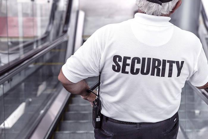 Agents de sécurité licenciés pour absence de carte professionnelle